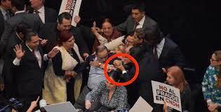Gustavo Madero (PAN) intento matar a golpes a una mujer en pleno senado