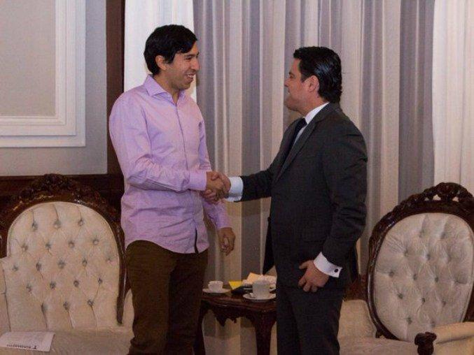 Kumamoto con Aristoteles Sandoval (PRI))
