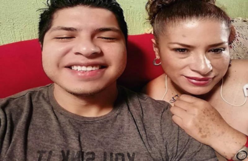 Daniel Teran Orozco foto con su madre Christina Orozco Sanchez desnuda